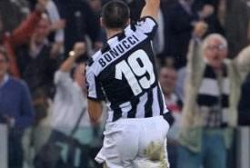 La Juventus pareggia contro lo Shaktar, Bonucci tiene a galla i suoi
