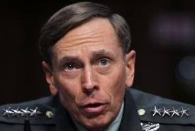 Dimissioni David Petraeus, è stato l'FBI a scoprire l'affaire