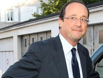Hollande sfiderà Sarkozy nelle presidenziali francesi