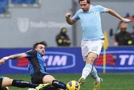 Serie A: Roma e Milan non ingranano, la Lazio si conferma