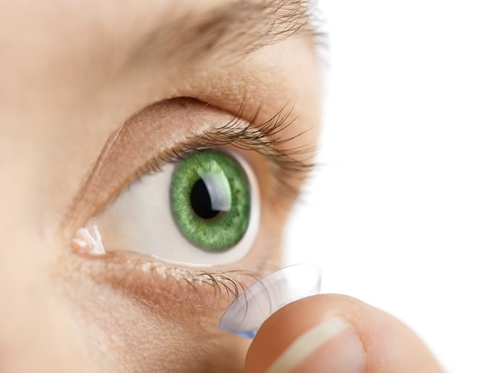 Indossare Lenti a Contatto ogni giorno aumenta il rischio di infezioni oculari