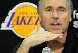 Nba, Los Angeles Lakers: presentato il nuovo coach Mike D'Antoni