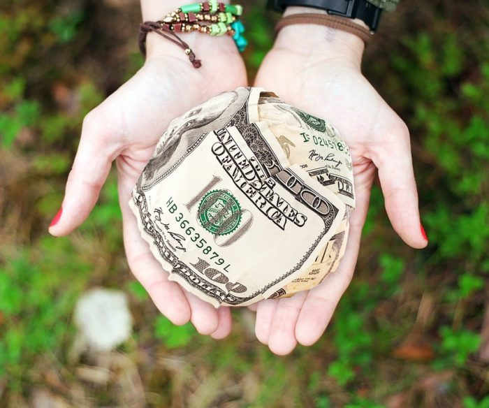 Prestiti ad amici e parenti: un circolo di affari pari a 800MLN al mese
