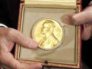 ecco il premio nobel 2011 per la chimica assegnato a Daniel Shechtman