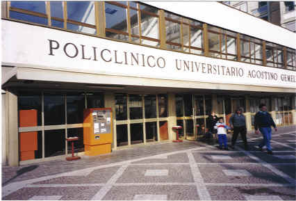 Il Policlinico Gemelli di Roma al centro dello scandalo per la presunta epidemia di tbc