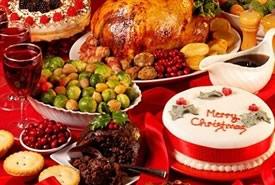 Abbuffate natalizie? Come rimediare senza rinunciare al piacere di mangiare