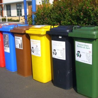 recycling-bins-373156_960_720