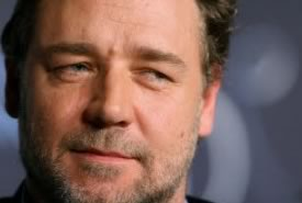 Russel Crowe è di nuovo single