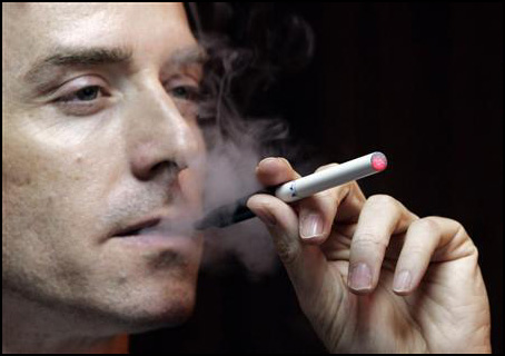 Sigarette elettroniche messe al bando per i minori di 16 anni.