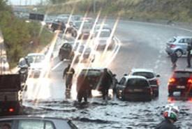 Situazione Tevere, le strade e i sottopassi chiusi
